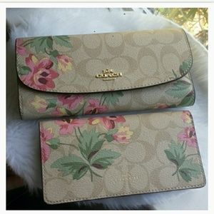 2PC Coach Signature Lily Checkbook Envelope Wallet